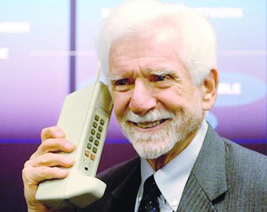 Martin-Cooper-first-cell-phone-ever-invented