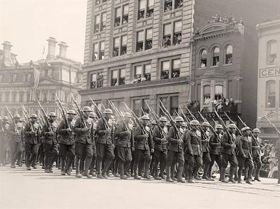 soldier-parade-world-war