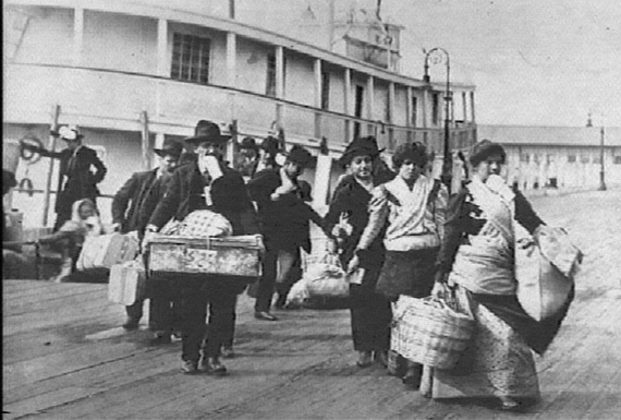 ellis-island-immigrants